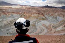 Unos 75 millones de dólares diarios costaría paralizar las faenas mineras del país