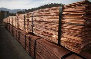 Precio del cobre cierra la semana con una importante caída